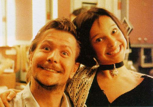 Natalie-Portman-and-Gary-Oldman-the-set-of-Leon-gary-oldman-26395163-504-354