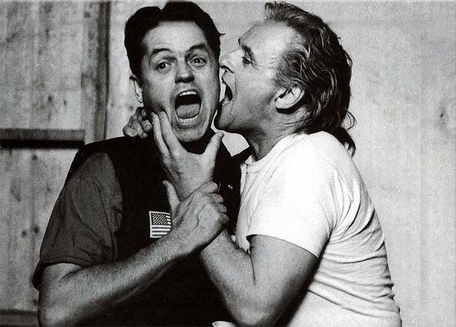 Director-Jonathan-Demme-and-Anthony-Hopkins-on-the-set-of-The-Silence-of-the-Lambs