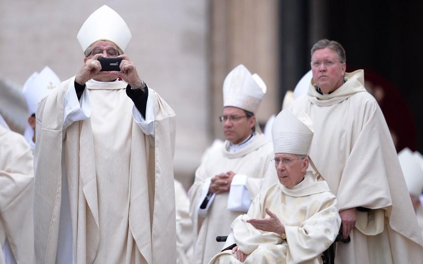 Vatican-Popes-Sain_2893884k