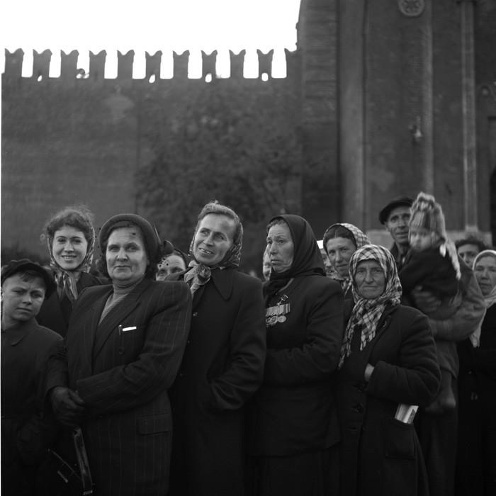Советские люди в фотографиях немецого фотографа. pbs_ussr56_064