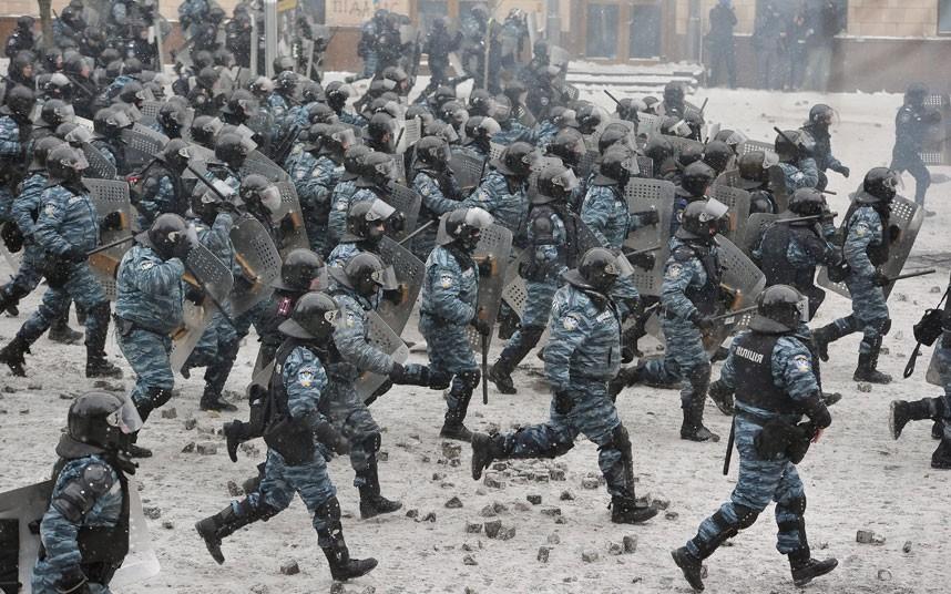 kiev-police-runnin_2799630k