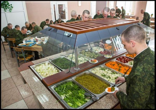 1383252721_Armeiyskie-stolovye-teper-bol-she-napominayut-kafe