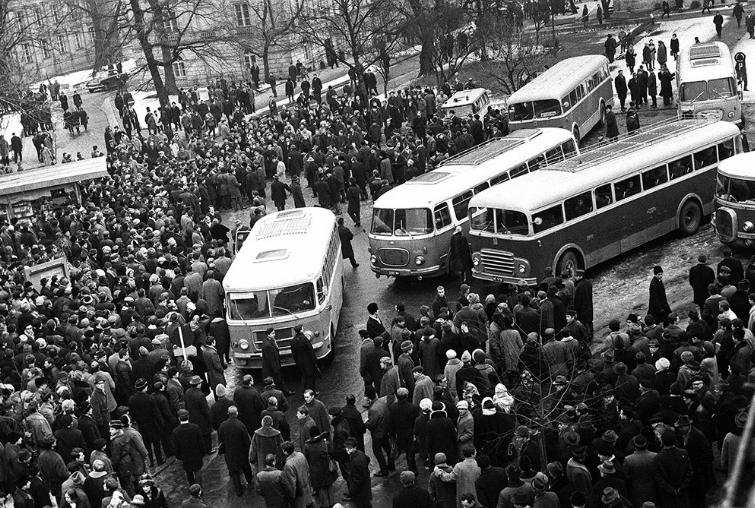 50 лет назад : Антисталинистские протесты в Польше