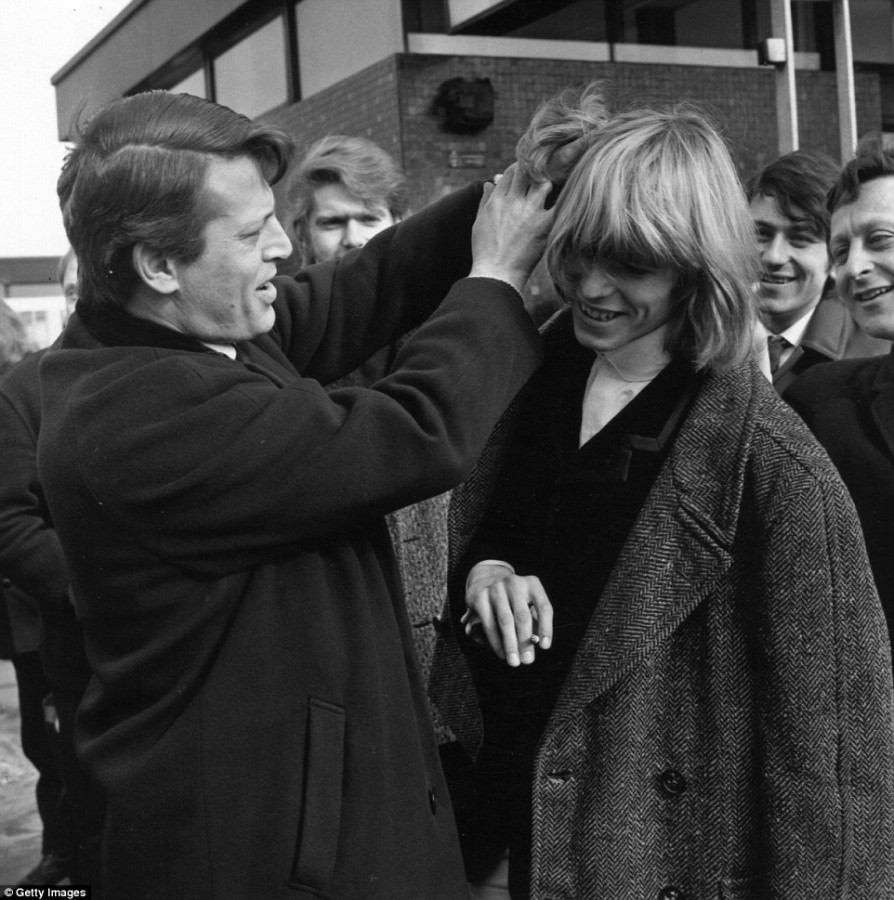 """What refusal was heard by BBC producer David Bowie Manish, hair, replied, showNa, Langford, Prime Minister, appear, cut, long, liked, asked, wanted to have a haircut, say, BBC """"Total, went out, Say"""" debut"""
