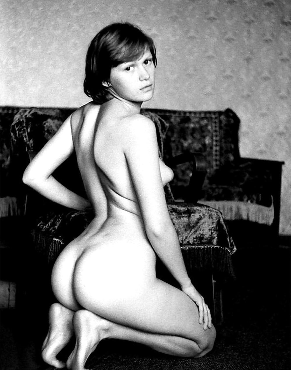 Усть-каменогорске девушки фото эротическое под парусом
