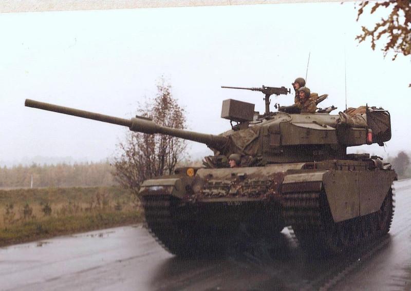 Датские танкисты учениях, Centurion, 1974й, танка, королевской, полка, датской, армии, Dronningens, годCenturion, Livregiment, датского, учений, обедает, годЧлен, экипажа, Экипаж, 1985й