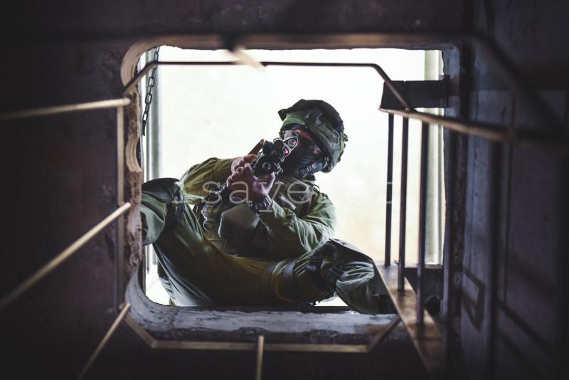 israeli-soldier-full-combat-gear.jpg