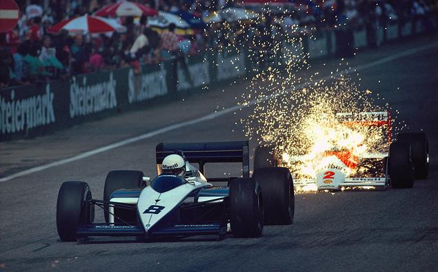 1987 Гп Австрии. Одна из самых известных работ Шлегельмильха. Пилот McLaren Стефан Йоханссон преследует Brabham Андреа де Чезариса в Цельтвеге
