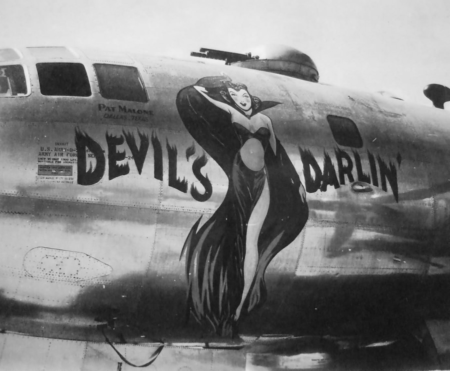 B-29.~Devil's Darlin'~.[p-Tinian].[y-1945]..2019-12-06.00747..