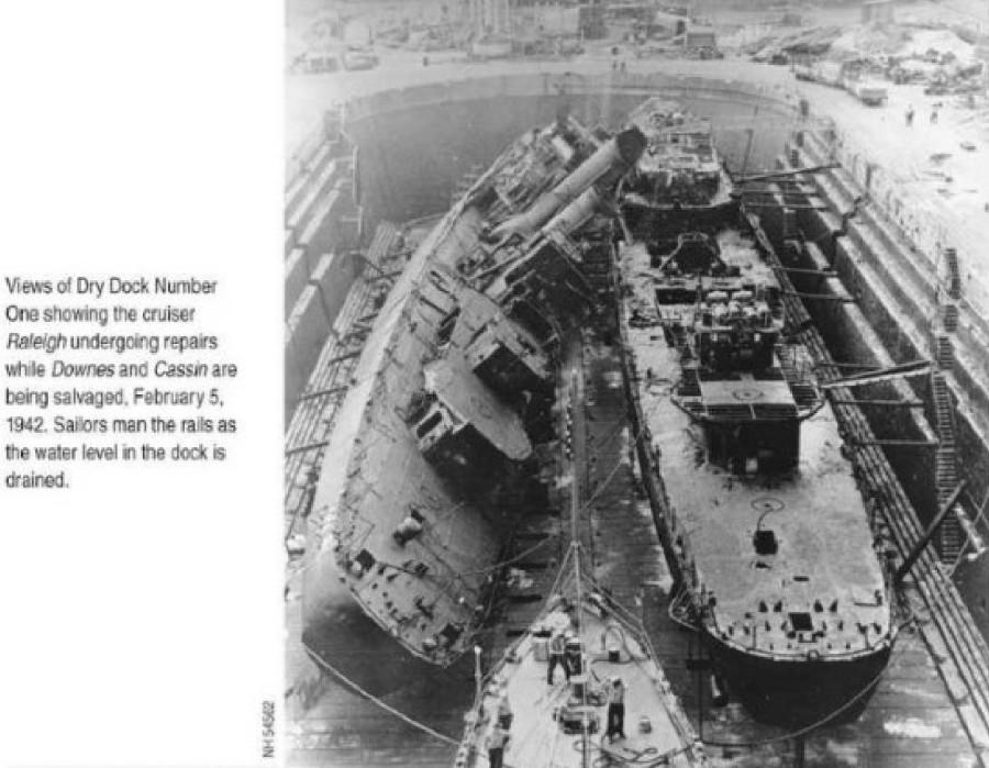 Pearl Harbor Air Raid_189-1.NH 54542