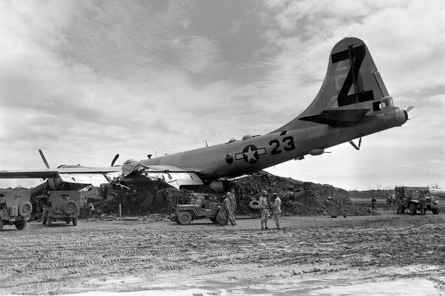 B-29,#42-24664,tail-Z-23,[crash][1945-04][p-Iwo Jima],2020-01-12,00010