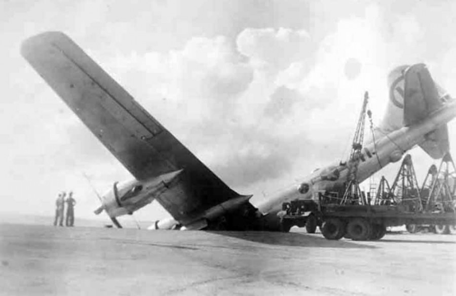 B-29,#42-24889,[k4-may-be],tail-Circle-W-11,[k4-may-be],[crash],[crash_landing],,2020-03-18,00015