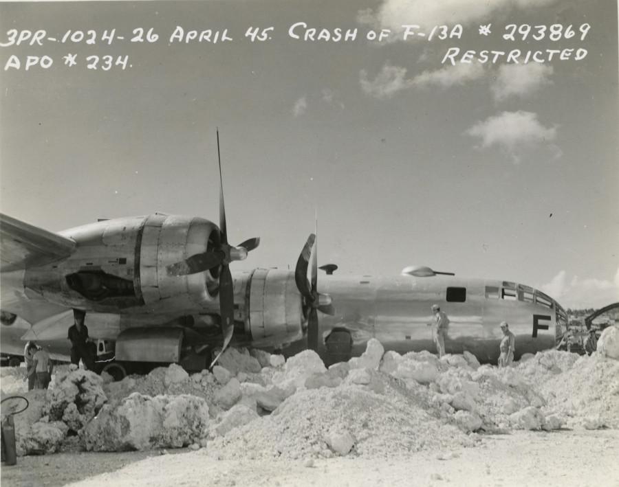 B-29,#42-93869,[Crash of F-13A],[APO #234],[Restricted],[y-1945-04-26],[u-2010,216,034_1],[crash],2019-12-16,00068