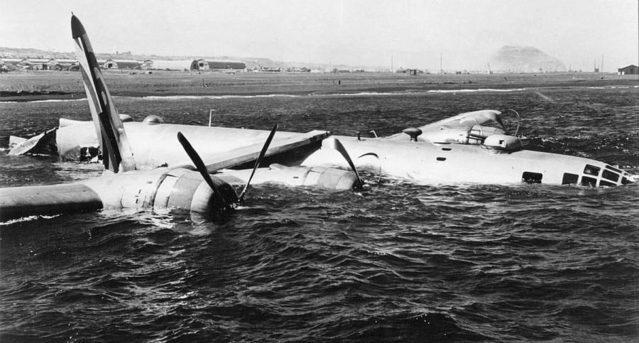 B-29,#44-69825,tail-Circle-R-66,[crash],[m-ditched-Iwo-Jima-fogged-no-injuries],,2020-03-26,10061