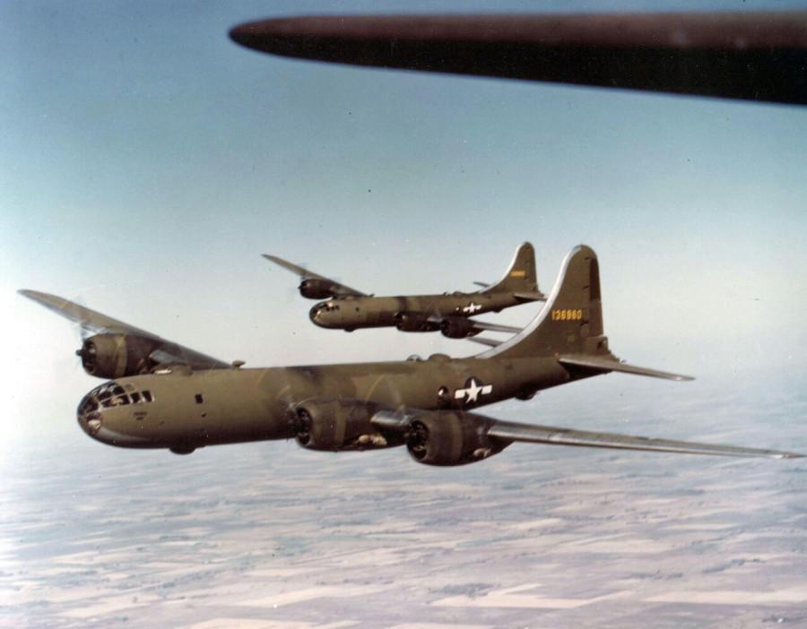 B-29,#41-36960,[k4-may-be],[flight,formation],,2020-06-24,00048