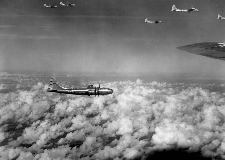 B-29,#42-63415,[flight,formation],468BG,[m-over Rangoon Burma],[y-1944-11],2020-01-12,00011