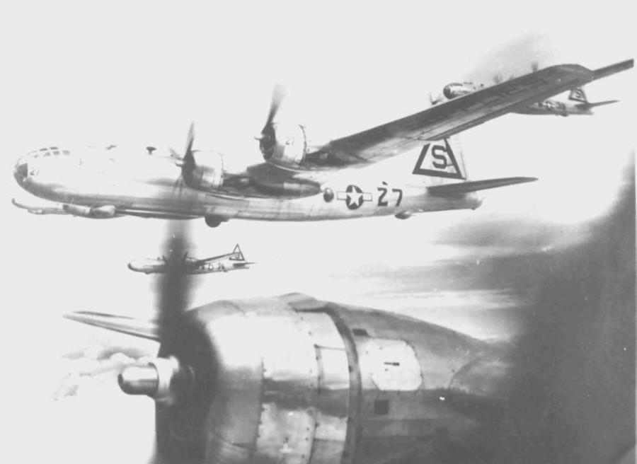 B-29,#42-24739,40BG,tail-Triangle-S-27,40BG,[flight-formation],[40BG-site,Chandler,ex-Chandler46],,2020-07-26,00207
