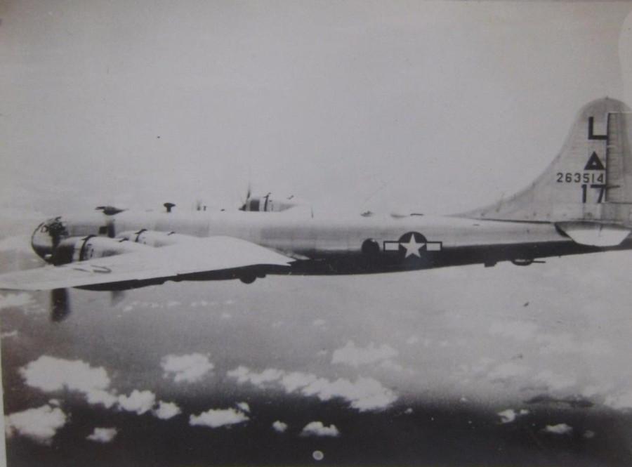 B-29,#42-63514,tail-L-Triangle-17,[101_],,2020-04-14,00068