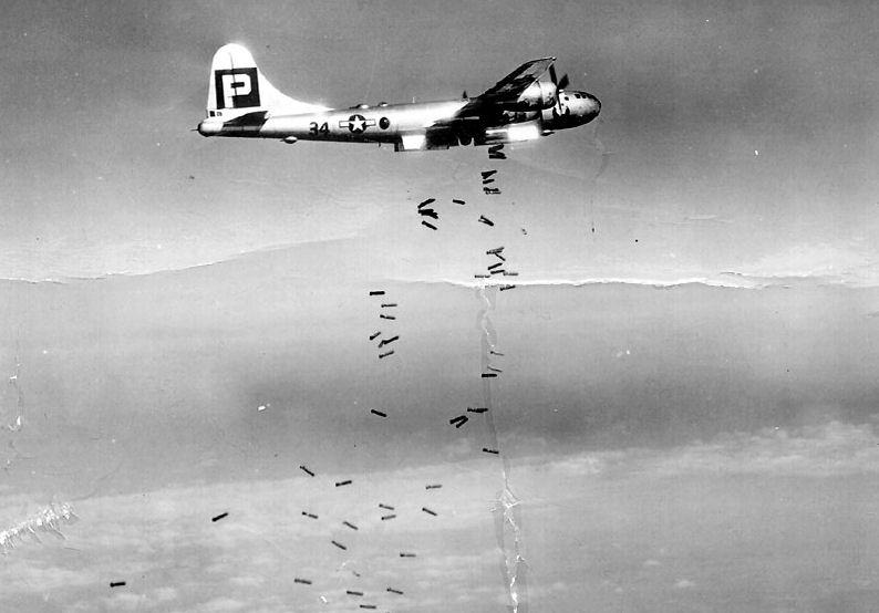 B-29,#42-65369,[k4-may-be],tail-Black-Square-P-34,[flight],[bomb],,2020-03-18,00025