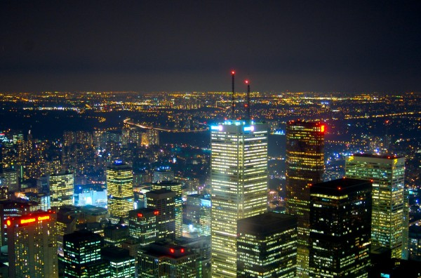 A_view_of_Toronto_at_night