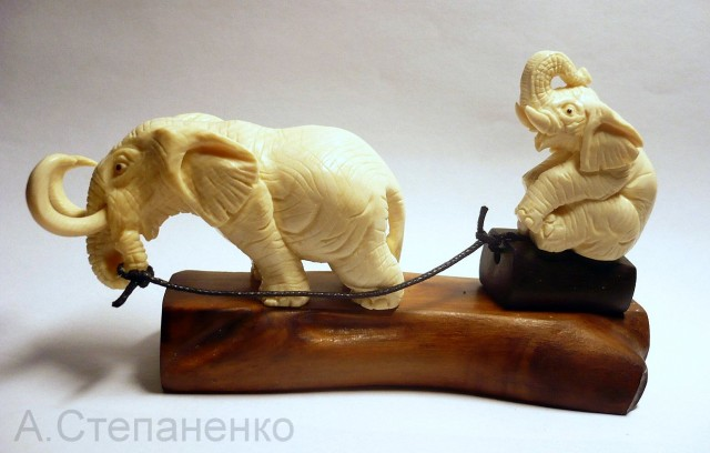 слоники из бивня мамонта