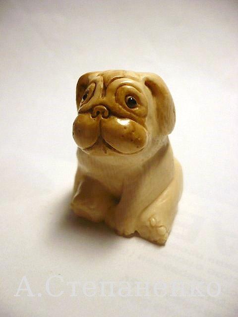 фигурка собаки из бивня мамонта