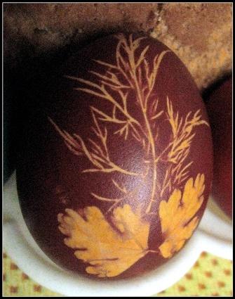 Паска и яйца-крашенки.