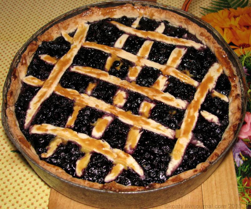 пирог с черникой только из духовки
