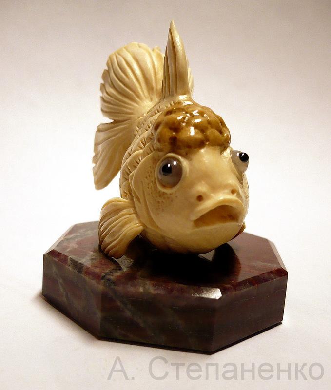 Рыбешка из бивня мамонта