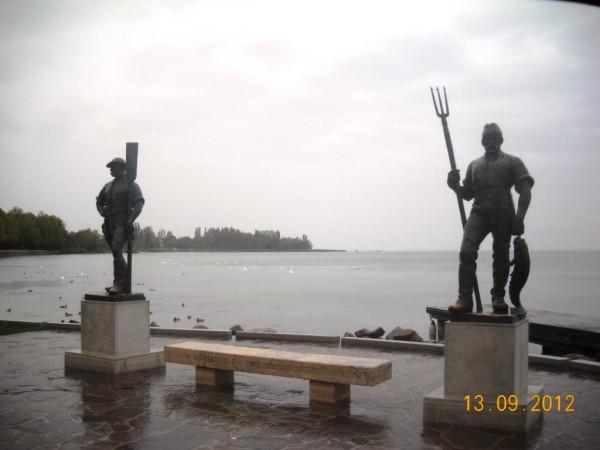 Паромщик и рыбак