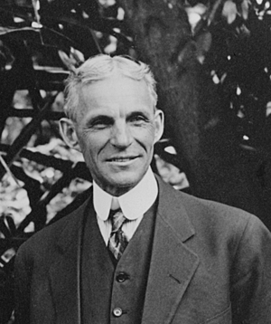 300px-Henry_Ford_at_Edison's_home_in_Ft._Myers_Florida_1914_detail_LC-LC-USZ62-131044_.tiff