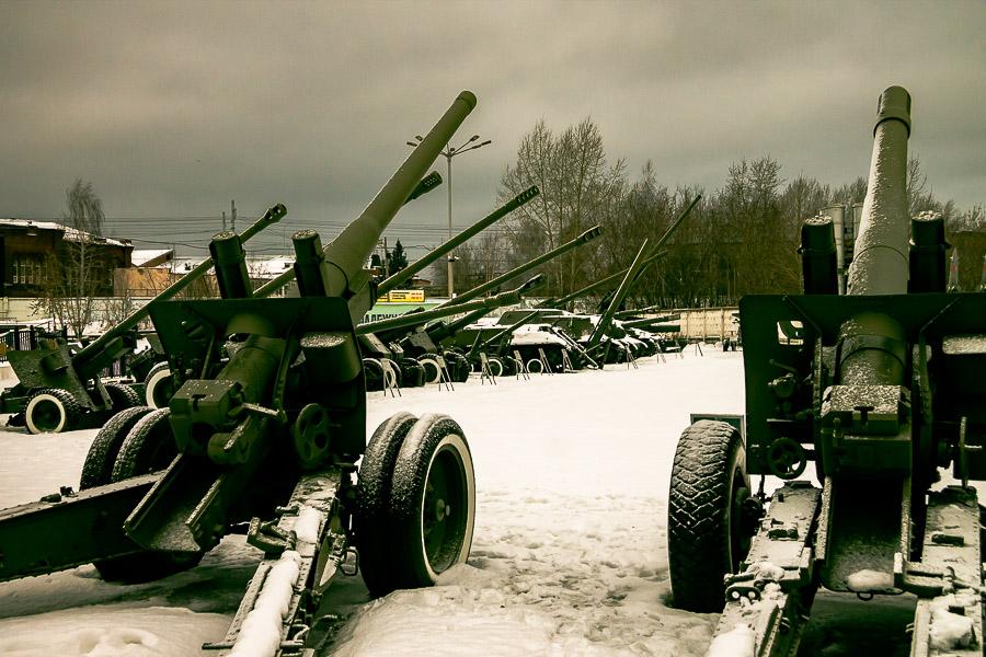 Пушки и орудия войны