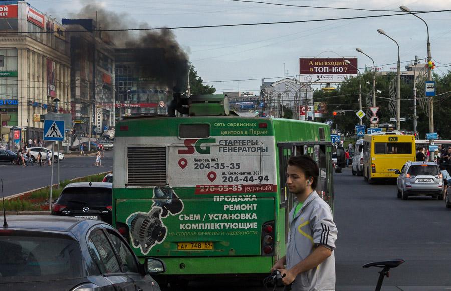 Современный дизельный автобус