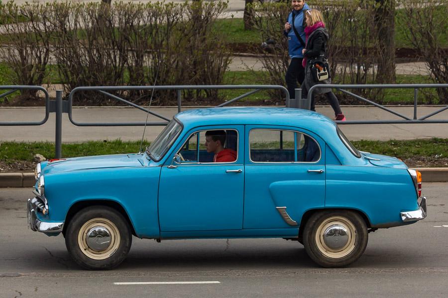 2. Москвич-402