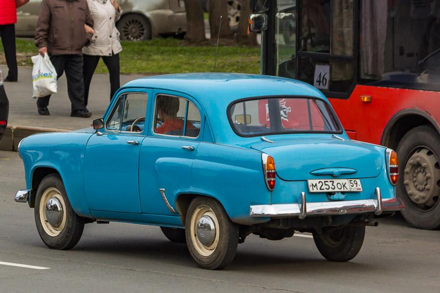 3. Москвич-402