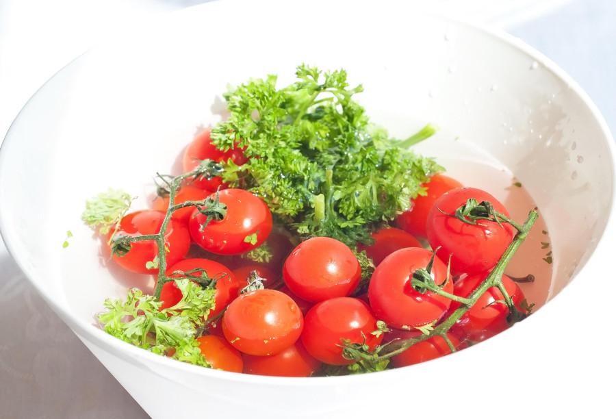 помидоры-в-миске