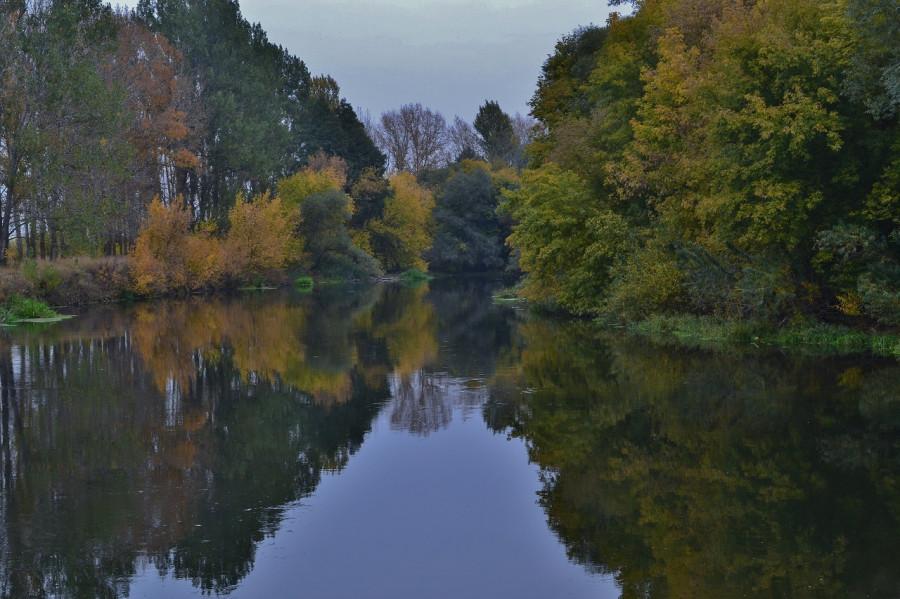 река в октябре