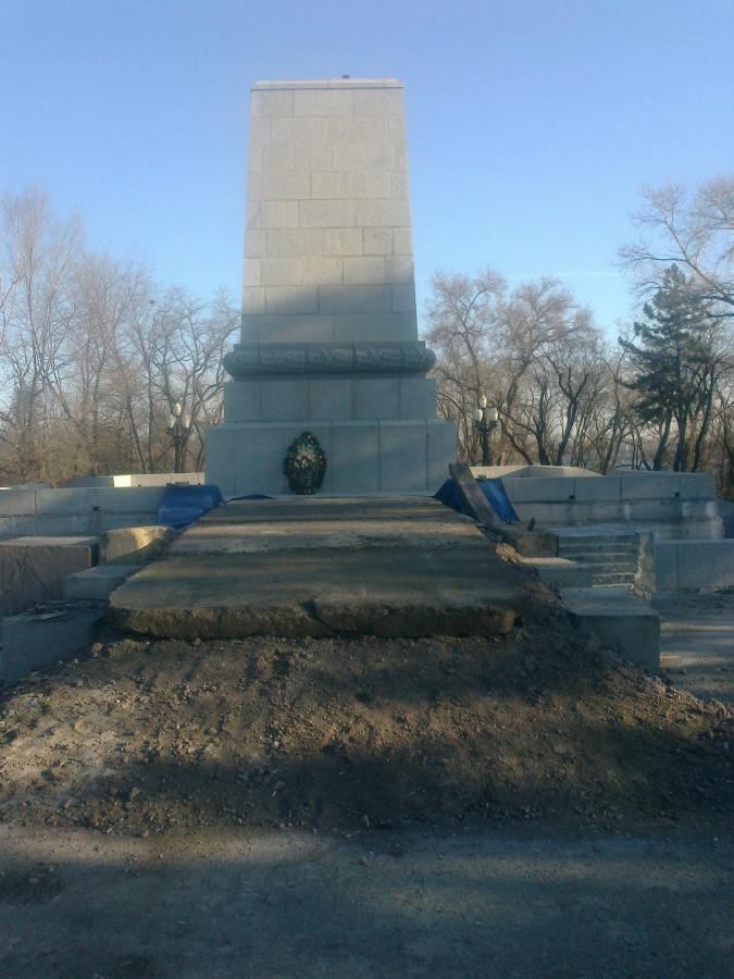 П'єдестал без Кобзаря - символ сучасної України.