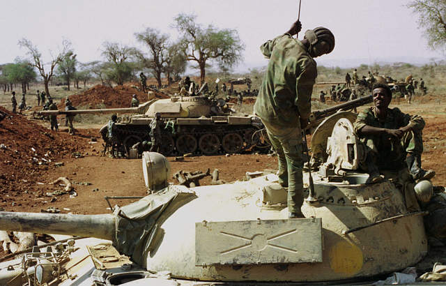 Eritrean-army-tanks