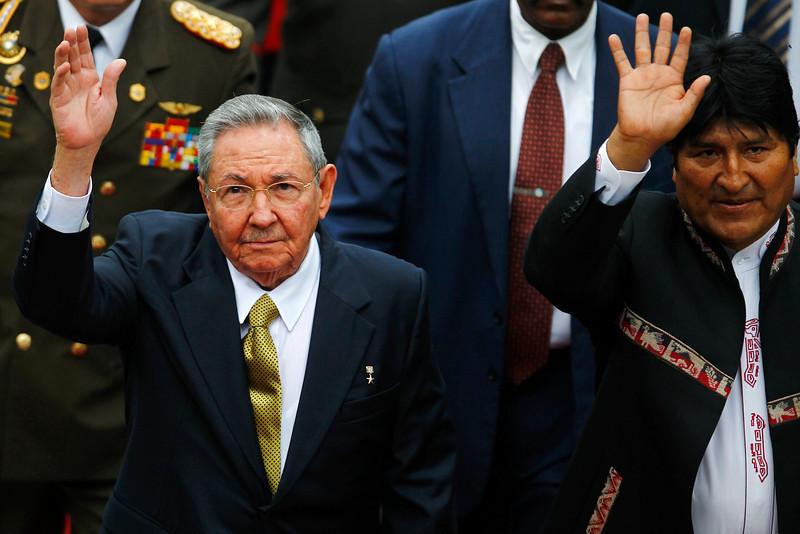2013-04-19T221046Z_1746843940_GM1E94K0H0201_RTRMADP_3_VENEZUELA-ELECTION-L