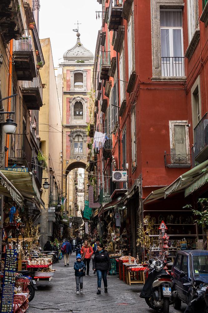 Улица Спакканаполи Неаполь