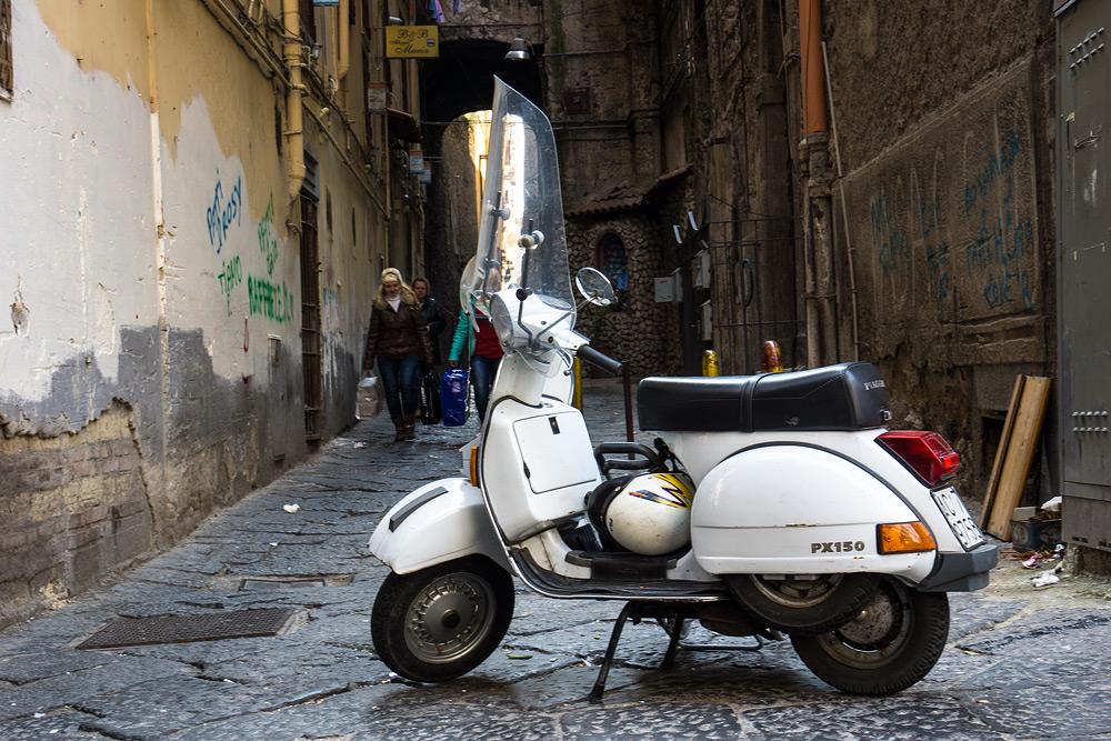 Неаполь метро. Что посмотреть в Неаполе. Отчет о Неаполе. Безопасность в Неаполе.