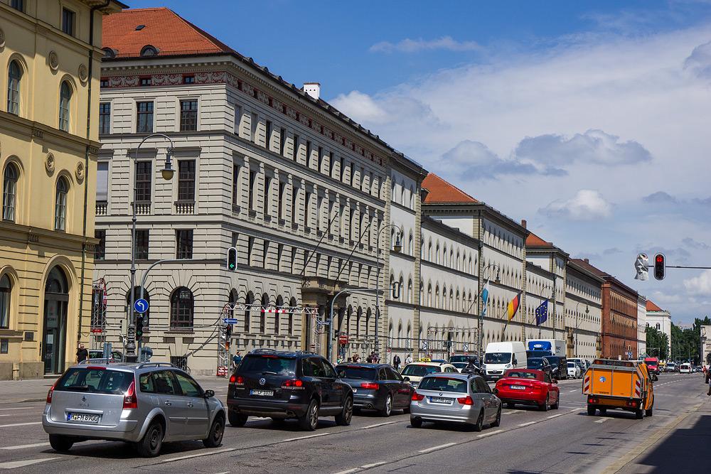 Мюнхен достопримечательности Мюнхена что посмотреть в Мюнхене Бавария велопоездка по Баварии SC06843