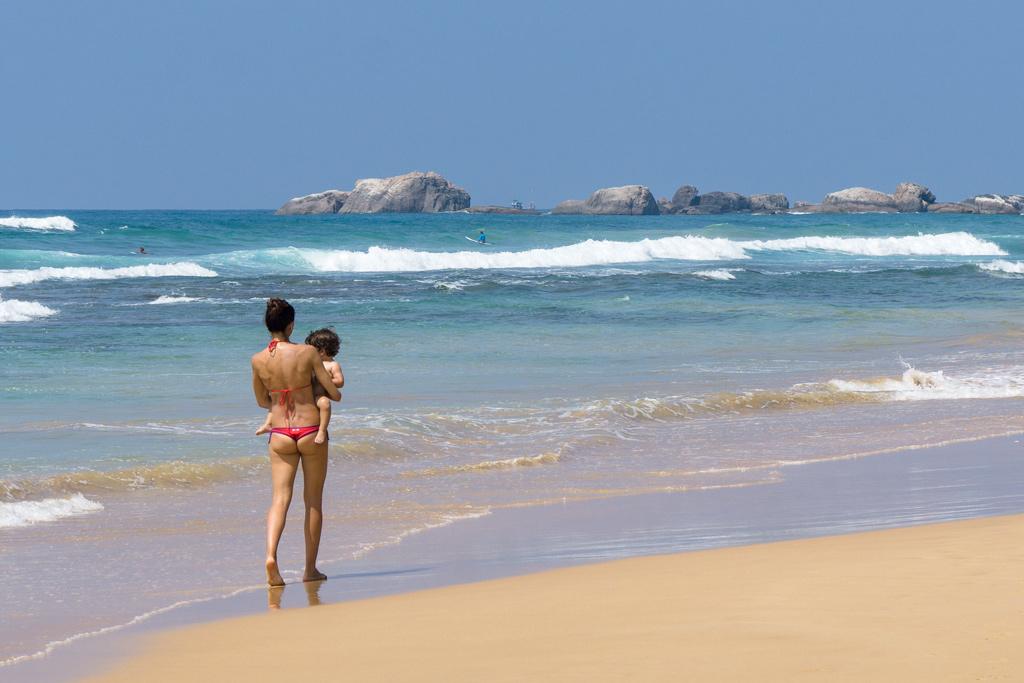 Пляжи Шри-Ланки. Отзыв о пляже Хиккадува. Отзыв о пляже Велигама.