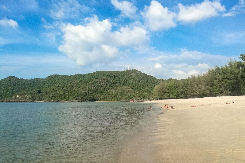 Отзыв о пляже Танджунг Ру на Лангкави