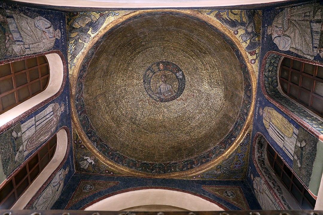 1080px-Sacello_di_san_vittore_in_ciel_d'oro,_mosaici_del_450-500_dc_ca._01.jpg