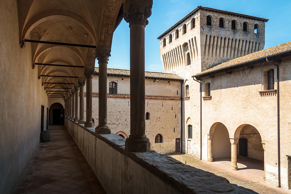 История замка Торрекьяра