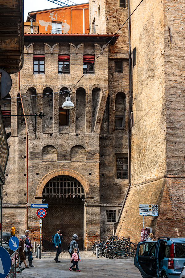 Что посмотреть в Болонье
