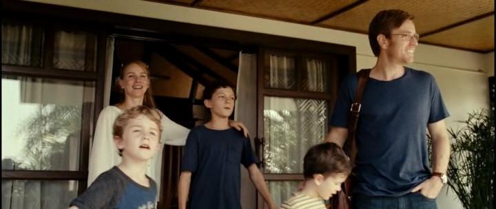 Фильм-катастрофа Невозможное - семья Беннетт приехали отдыхать в Таиланд