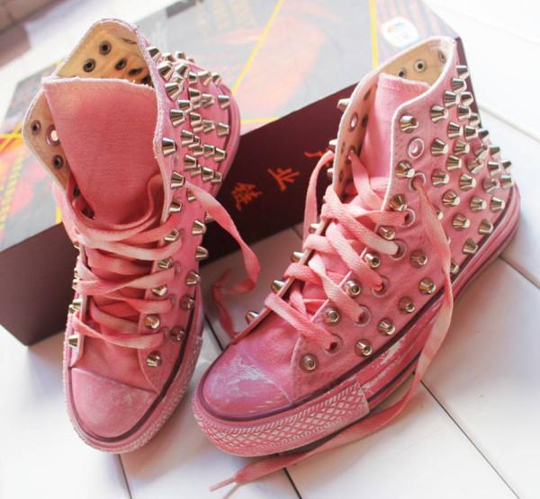 Розовая экономика моды и угодный ей индивид